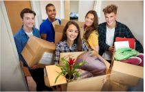 student friends moving into college dorms