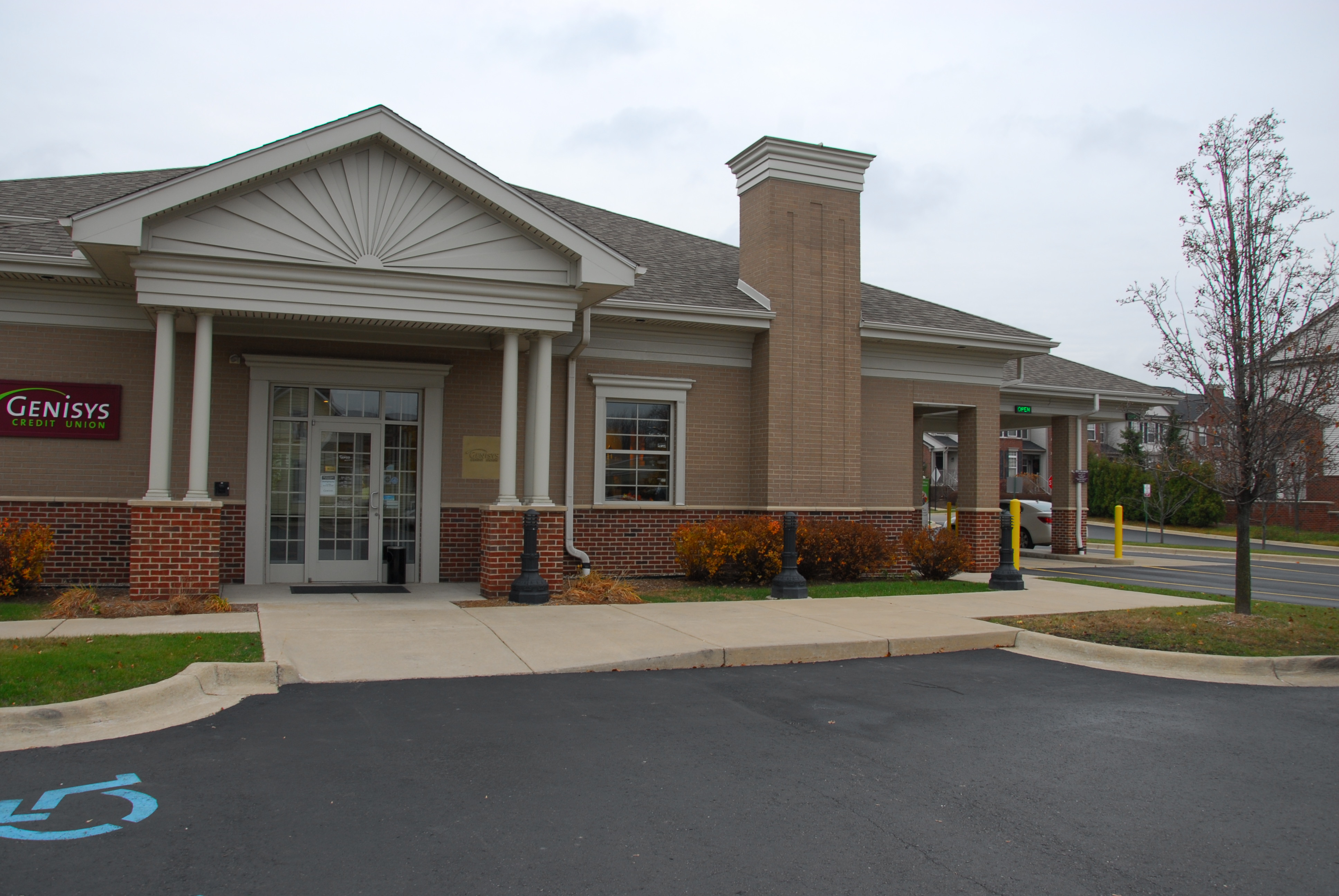 Photograph of Genisys Credit Union's Wixom Branch